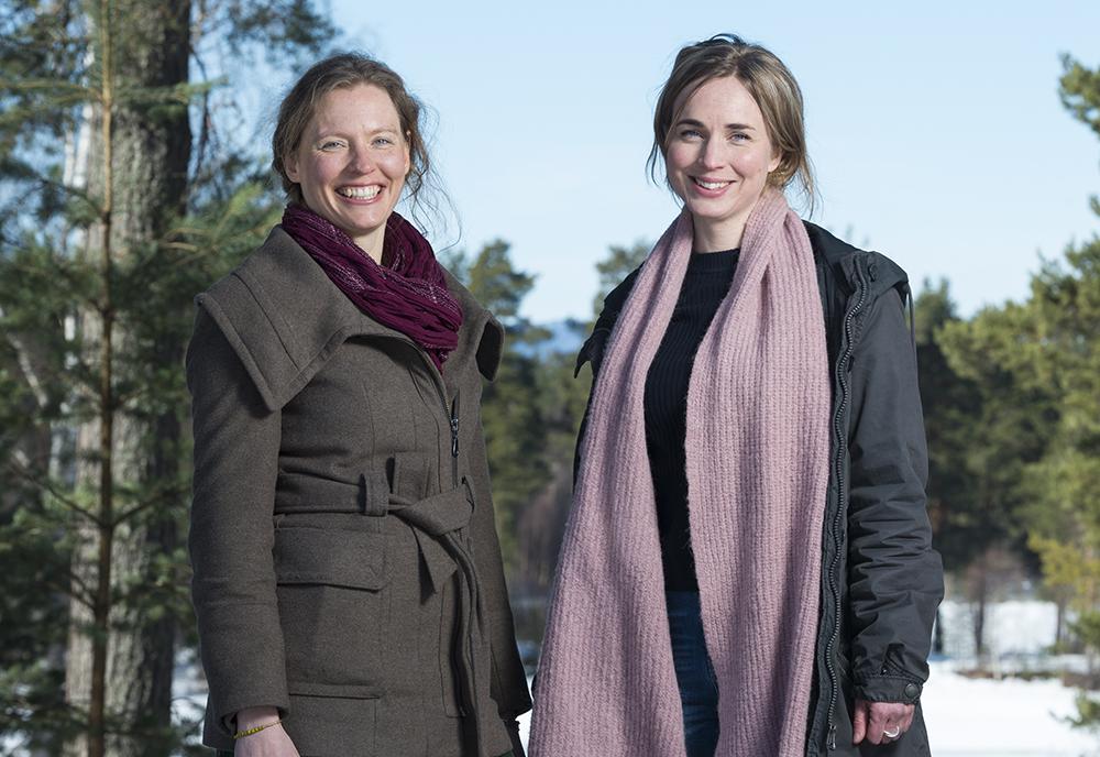 Rieke Matthei och Linnea Nordkvist, psykologer hos BUP i Dalarna. Foto: Björn Johansson / Kola Productions