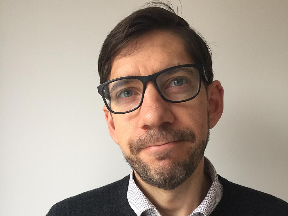 Psykologen Johannes Nordholm har arbetat med ett nytt arbetssätt för samtal inom psykiatrin i Göteborg.