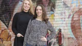 Matilda Månhav och Sofia Kjellsson, skolpsykologer i Borås. Foto: Ulf Ekström