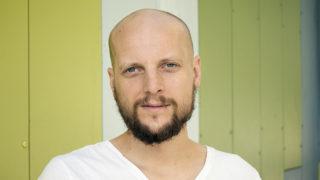 Psykologen Olof Molander tycker att psykologer borde få sjukskriva patienter.