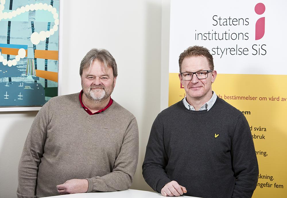 Lars Fredriksson och Johan Feldtmann, institutionschefer hos SiS. Foto: Patrik Bergenstav