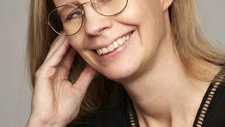 Psykologen Hedvig Montgomerys böcker har gjort succé och sålts till 26 länder. Foto: Janne Rugland